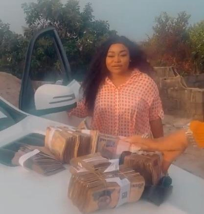 Actress, Ruth Kadiri gets cash gift as birthday present from a friend (Video)