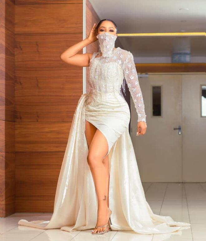 """Illiteracy is bad"""" - Fans drag Mercy Eke over her recent video"""