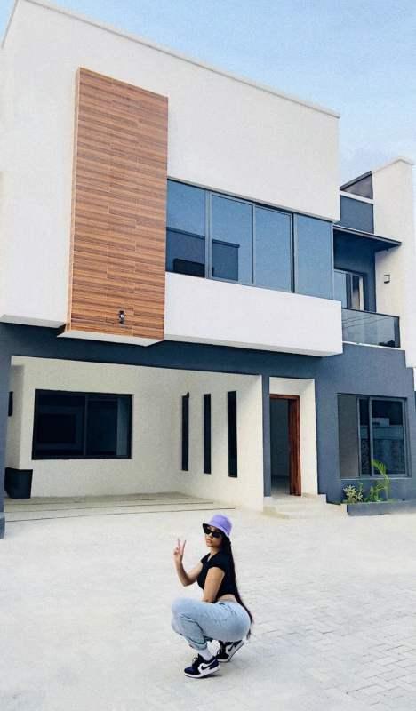nengi new house