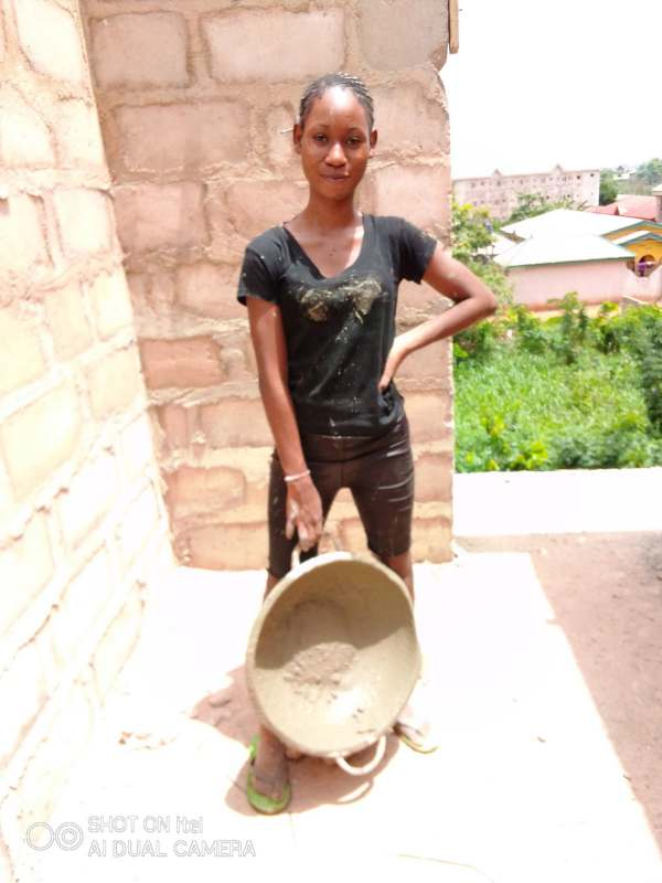 Female student working as a labourer expresses gratitude after her photos went viral