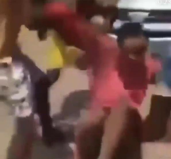 Mob attacks crossdresser, beats him to pulp over choice of outfit (Video)