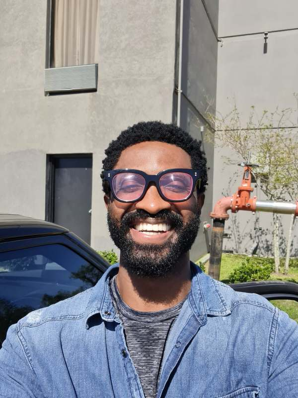 """""""I can still marry you despite your old man's look"""" - Jemima Osunde shoots shot at Ric Hassani"""