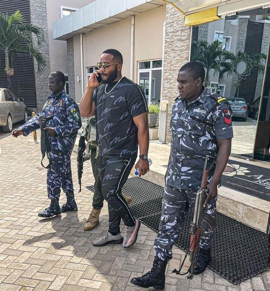 Nigerian Police Escorts Social media Kiddwaya