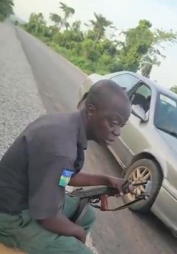 """""""I want cash, how will your sorry feed me"""" - Policeman caught on tape requesting for bribe (Video)"""