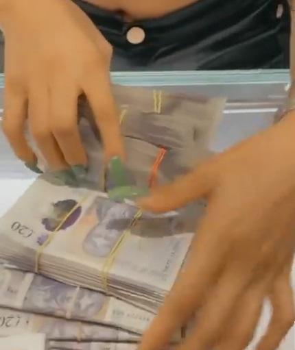 Nengi flaunts huge stash of money & new diamond-encrusted watch (Video)