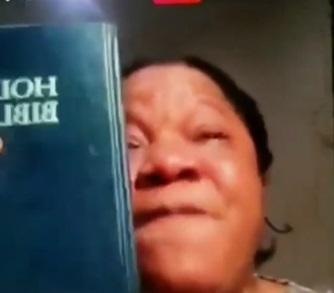 """""""Stop cursing my family"""" - Toyin Abraham burst into tears over beef with Lizzy Anjorin (Video)"""