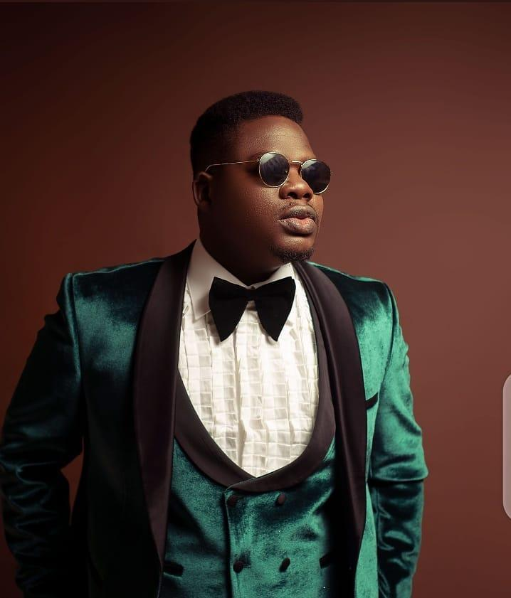 Comedian Mr Macaroni celebrates 28th birthday in style, lavish fans with cash gift (Video)