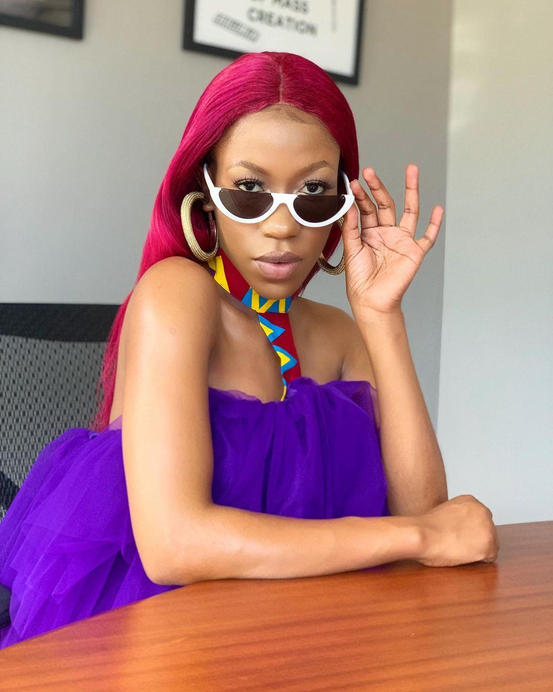 Moment Ugandan singer, Vinka, stomped a fan who tried to touch her genitalia (Video)