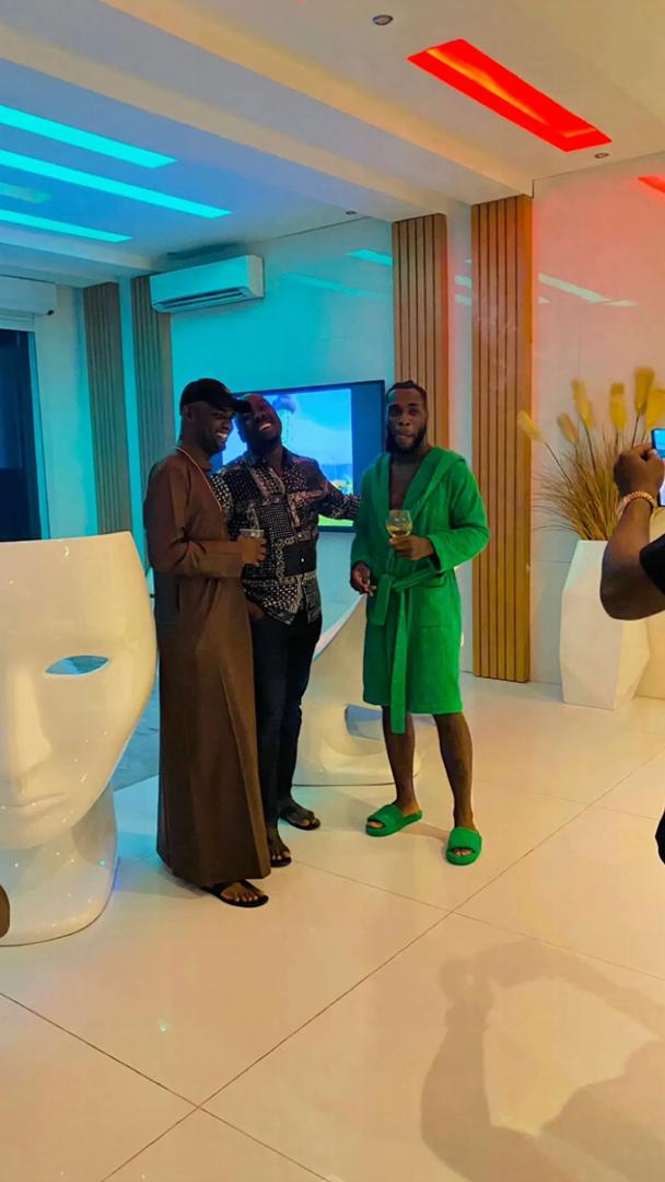 Billionaires, Obi Cubana & Jowizaza pay surprise visit to Burna Boy (Video)