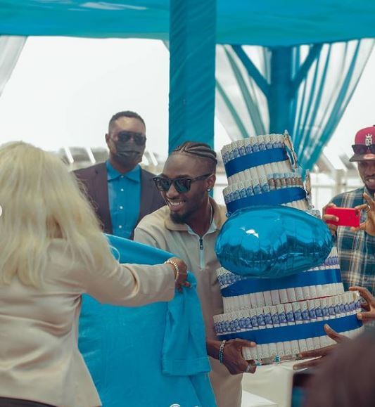 Jaypaul Fans Gifts Money Cake